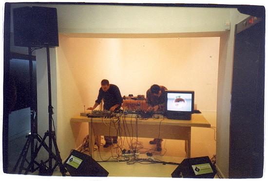 grusla hertzelia - 30.12.00 Live at Hertzlia Museum (opening of Toy-Tech exhibition)