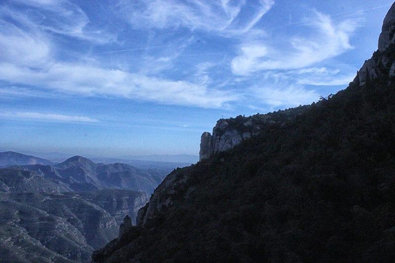 Вид с горы на крест Святого Михаила