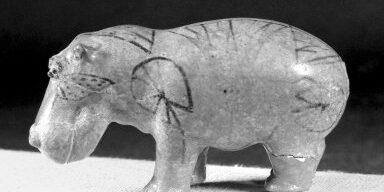 Фигурка бегемота